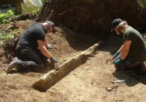 Германия: Археологи обнаружили закопанный в земле советский военный обелиск