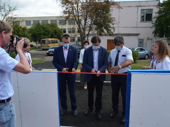 В Орловской области открыли спортивные объекты и памятники героям