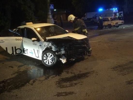 Три человека травмированы в ночном ДТП в Калуге