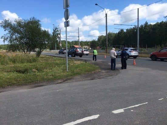 Внедорожник насмерть сбил велосипедистку на Рябовском шоссе