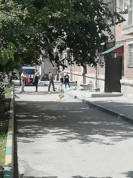 В Новосибирске сорвался с высоты и погиб ремонтировавший балкон мужчина