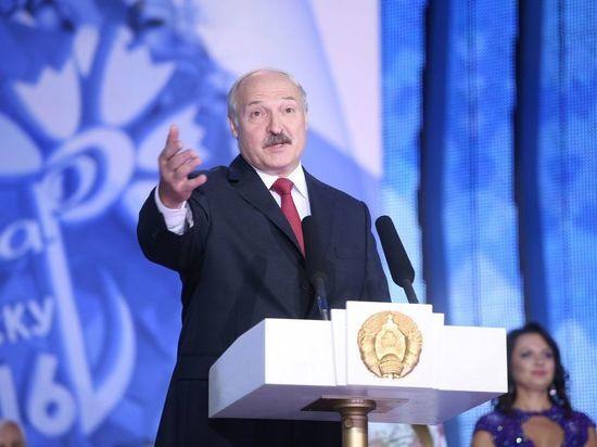 Вопрос снятия Тихановской с белорусских выборов связали с задержанием россиян