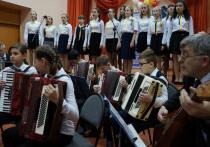 В летние каникулы детская школа искусств в Калининске получает новые музыкальные инструменты
