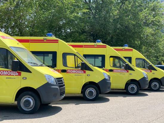 Автопарк Калмыкии пополнился каретами скорой помощи