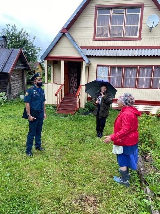 Жителей гдовской деревни призвали соблюдать правила пожарной безопасности