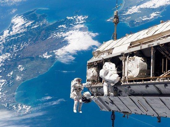 Космические туристы полетят на МКС в конце 2021 года
