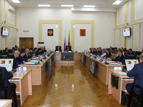 Стало известно, сколько заработали депутаты в Забайкалье за 2019 год