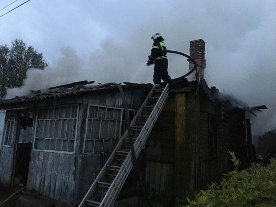 В Кирове сгорел жилой дом