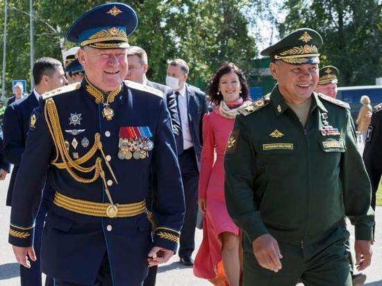 В Алабино в честь праздника состоялось грандиозное военно-спортивное шоу