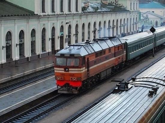 Михаил Ведерников поздравил железнодорожников с профессиональным праздником