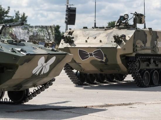 Вальс боевых машин увидели псковичи на полигоне 76-й дивизии