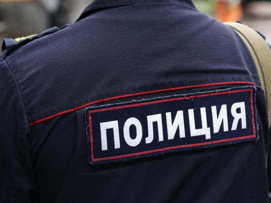 Пьяная парочка на «Mazda 6» протаранила гараж и электрический столб в Архангельске