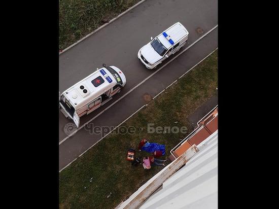 В Магнитогорске 22-летняя мать двух детей выпала из окна восьмого этажа