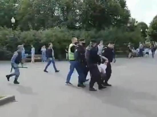 Четырех бывших десантников задержали после драки в Парке Горького