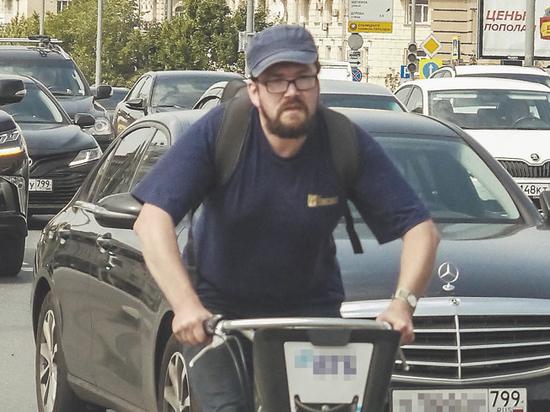 В Москве развивается велосипедная инфраструктура: как объявили в Департаменте транспорта, уже скоро велодорожка появится вдоль Садового кольца — по-прежнему одной из самых загруженных магистралей столицы