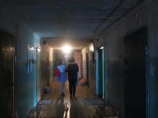 16 июля Октябрьский районный суд удовлетворил иск Комитета жилищно-коммунального хозяйства Барнаула о выселении Муратовой Жанны Викторовны и ее 15-летней дочери из служебного помещения без предоставления другого жилья