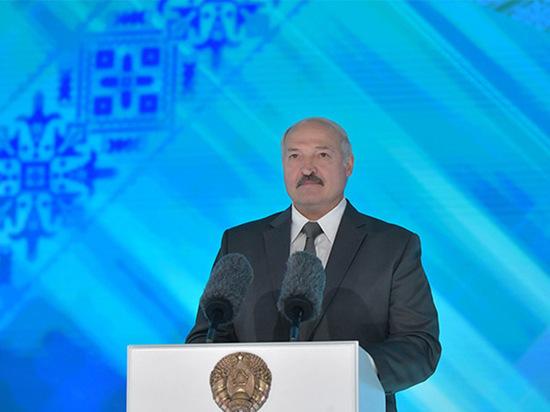 В Белоруссии неожиданно перенесли обращение президента Александра Лукашенко к народу и парламенту с 3 на 4 августа