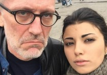 Телеведущий Александр Гордон снова, похоже, снова холост