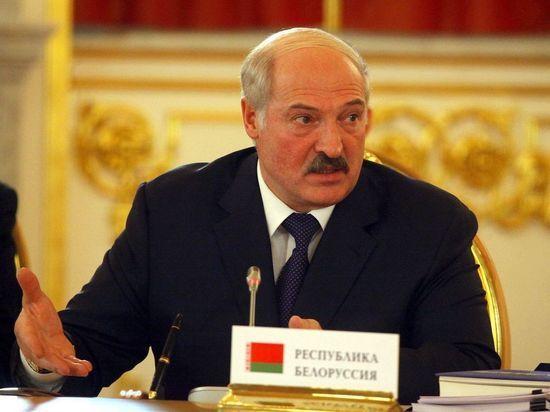"""Лукашенко связал """"выборы зэков"""" с падением экономики"""