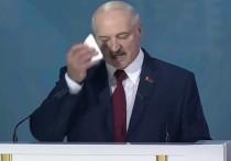 Президент Белоруссии Александр Лукашенко вновь дал повод поставить под сомнение состояние его здоровья