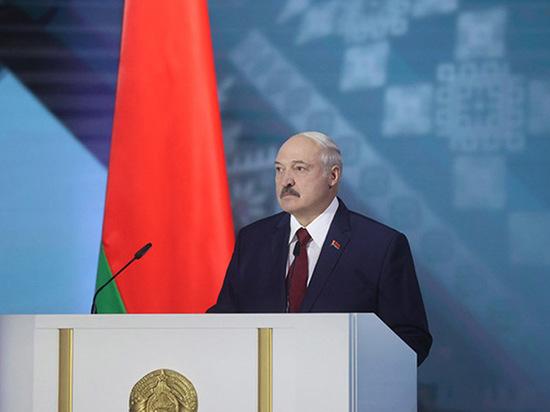 Лукашенко пообещал дать «самый жесткий отпор» протестующим белорусам