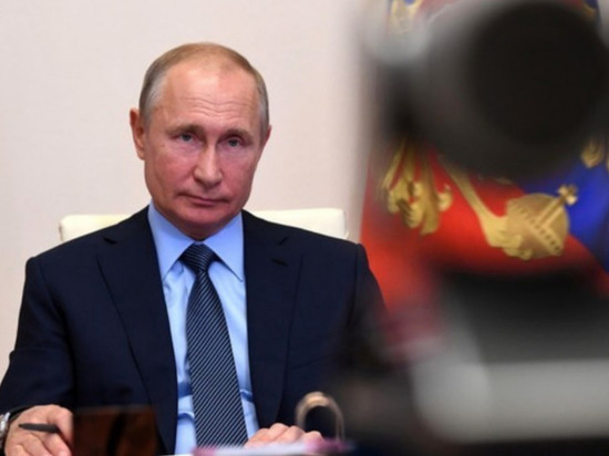 """Запад предупредил об """"августовском сюрпризе Путина"""" для Белоруссии"""