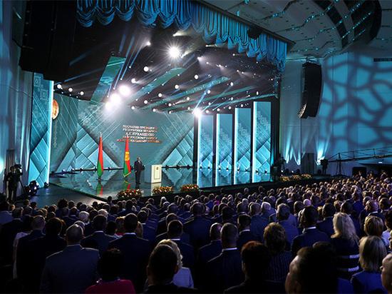 Сравнили послания Лукашенко и Путина: разница в местоимениях