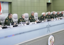 Министр обороны РФ Сергей Шойгу 4 августа на совещании с генералитетом сообщил о том, что с 1 июля по указанию президента введена ежемесячная надбавка отдельным категориям военнослужащих