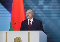 После обращения президента Белоруссии Александра Лукашенко к Национальному собранию ему устроили почти трехминутную овацию