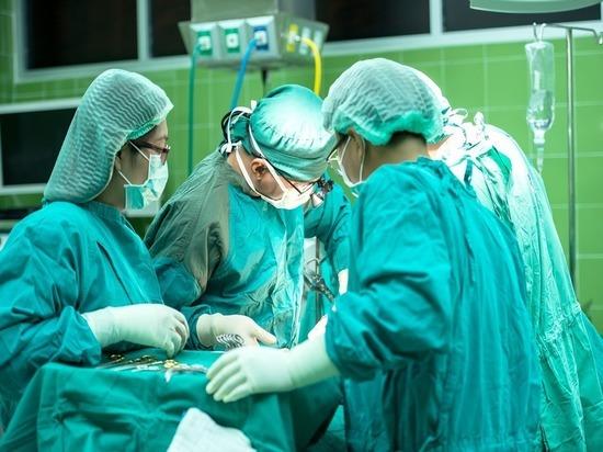 Главный онколог Минздрава, академик РАН Андрей Каприн заявил, что генетическая предрасположенность объясняет только 15% случаев болезни
