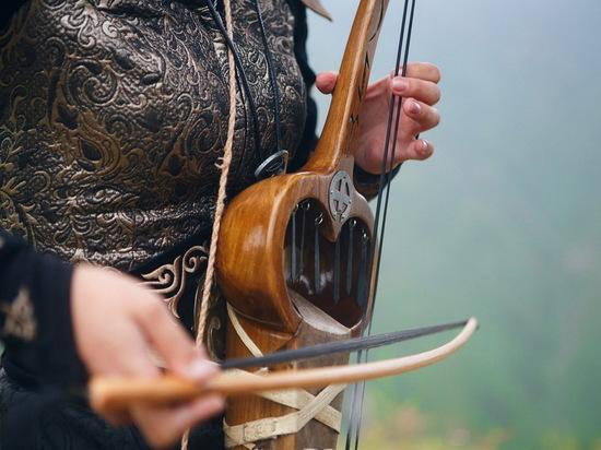 В музыкальной культуре Казахстана особое, священное место занимает кобыз.