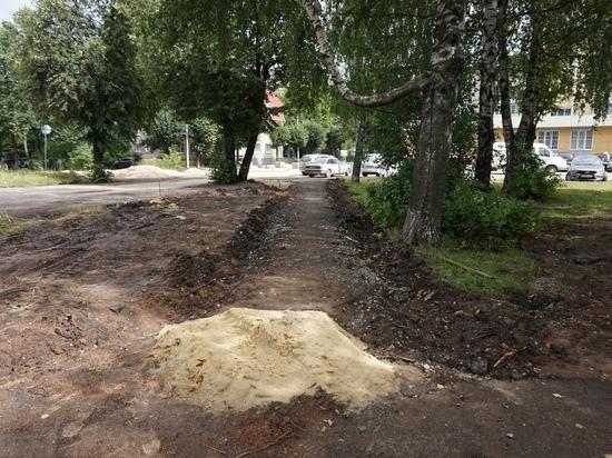 В Йошкар-Оле продолжается благоустройство сквера имени Свирина