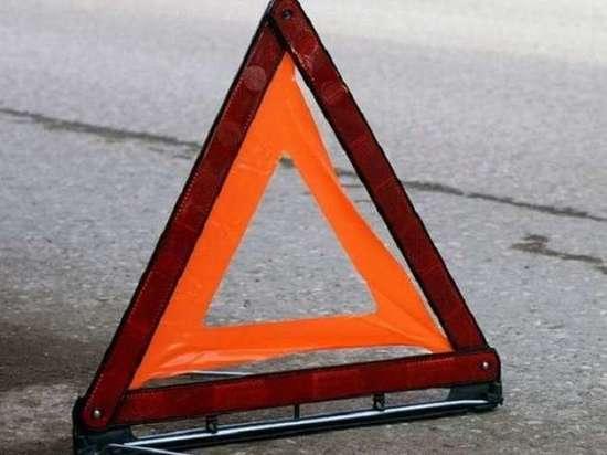 Водитель грузовика погиб при столкновении с фурой в Тверской области