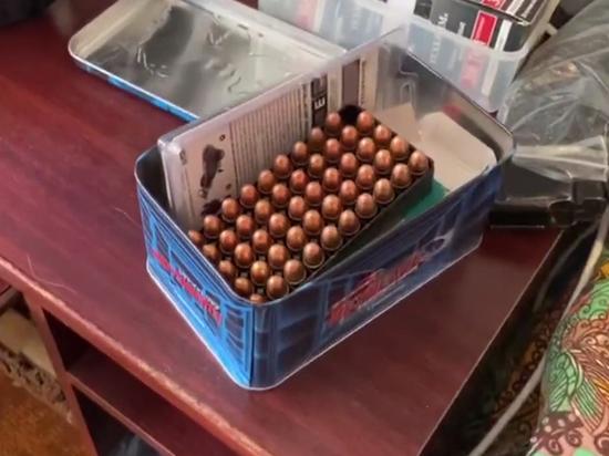 В квартире мужчины нашли схрон оружия