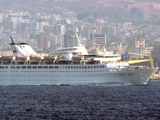 Круизный лайнер Orient Queen затонул в Бейруте после взрыва