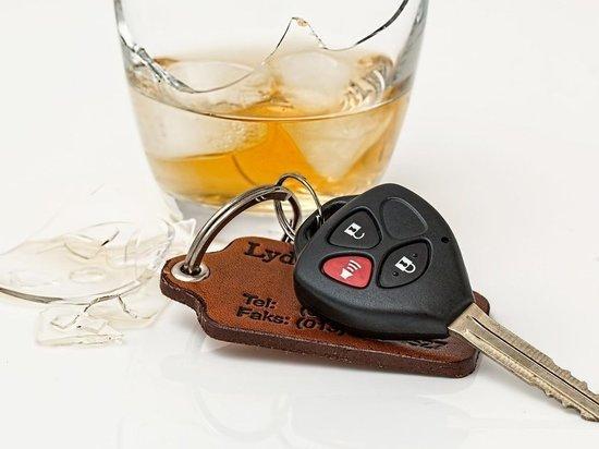По вине пьяных водителей в Пскове произошло 9 аварий