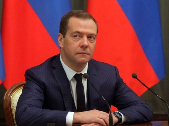 """Медведев пригрозил Белоруссии """"печальными последствиями"""""""