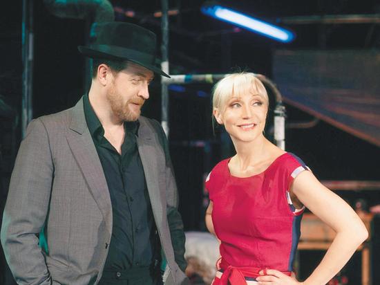 """Кристина Орбайкате, которая должна была осенью выступать в спектакле театра """"Современник"""" """"Двое на качелях"""", сообщила нам о своем глубоком недоумении"""