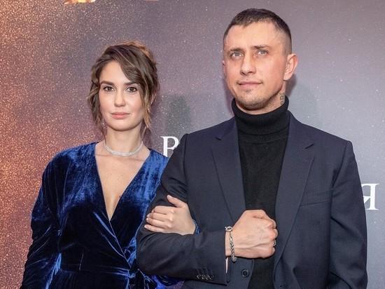 Бывшая жена Павла Прилучного обсудила свой развод с экстрасенсом