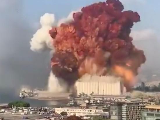 """Судно Rhosus (""""Росус""""), груз с которого, предположительно, сдетонировал в порту Бейрута 4 августа, ранее уже имело проблемы с властями иностранных государств"""