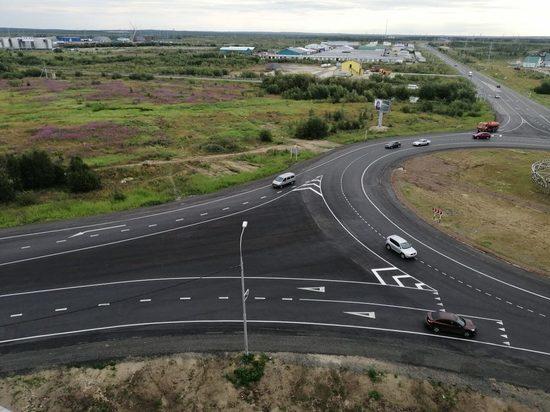 Краска на месте: эксперты проверили качество разметки на дороге Салехард — Аэропорт