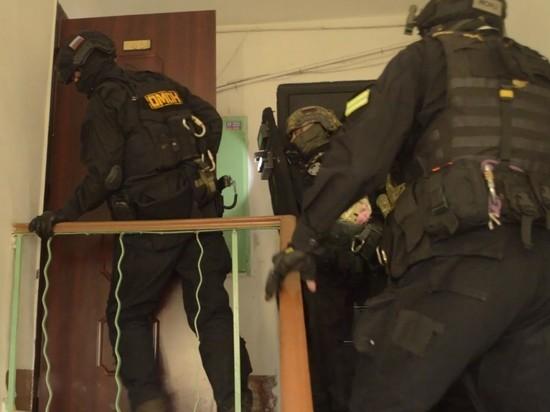 Двоих читинцев задержали за похищение людей и вымогательство
