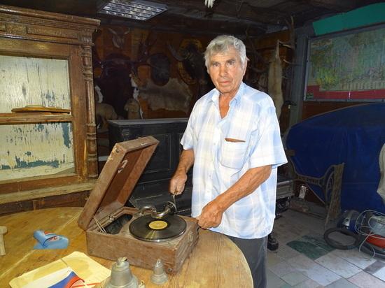 Краевед-любитель: волгоградец собрал экспонатов на целый музей