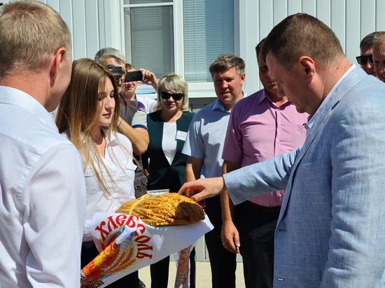 Губернатор Александр Никитин: «Новый сосновский элеватор — эталонный проект отрасли»