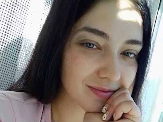 Прокуратура Омской области потребовала посадить в тюрьму на 15 лет местную жительницу за двойное убийство и изнасилование, пишет «Новый Омск»