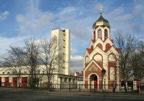 Здание церкви на Лесном проспекте имеет ряд признаков «самостроя»: разрешение на строительство в свое время не выдавалось