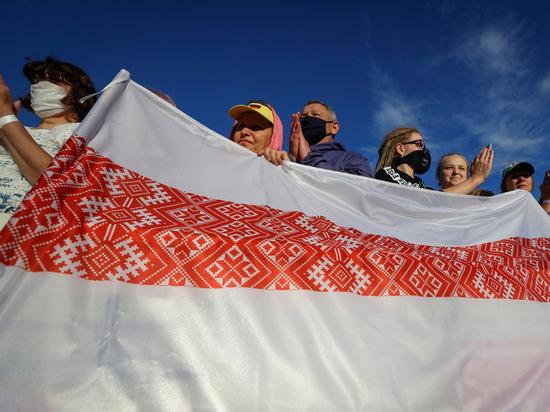 Соцопрос предсказал второй тур выборов президента Белоруссии