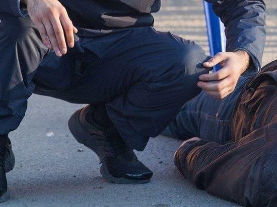 На Дону задержали 30-летнего мужчину, отобравшего телефон, рюкзак и документы у знакомого