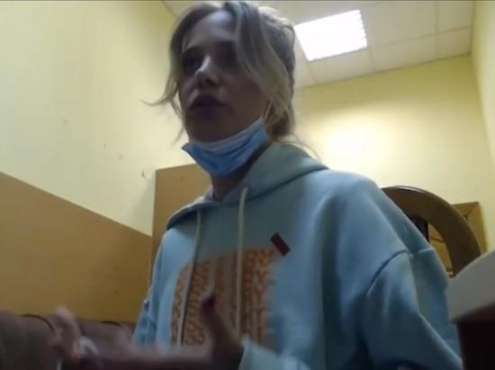 Украинская погранслужба не пустила российскую певицу Наталью Ионову, более известную как Глюкоза,в страну, развернув в аэропорту Киева