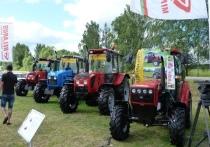В Торжокском районе будут выводить новые сорта льна и выпускать новую технику для его переработки